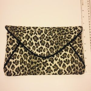 1154 Lill Studio Bags - 1154 Lill Studio Leopard Envelope Clutch